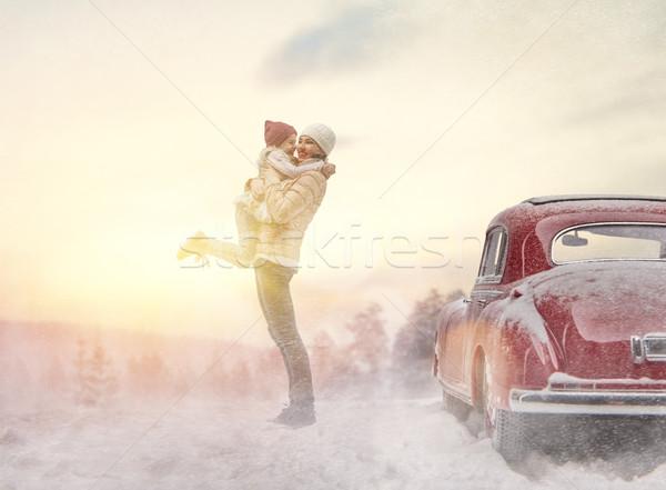 Anya gyermek régi autó kaland boldog család megnyugtató Stock fotó © choreograph