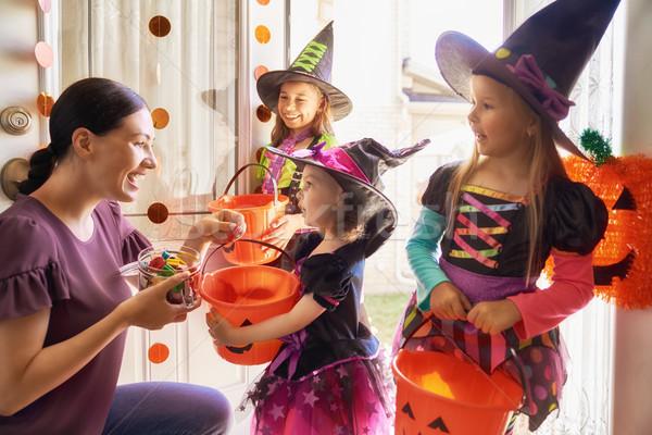 Rodziny halloween szczęśliwą rodzinę młodych mama Zdjęcia stock © choreograph