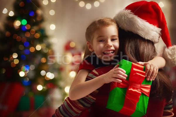 Stockfoto: Familie · christmas · viering · moeder · dochter · geschenken