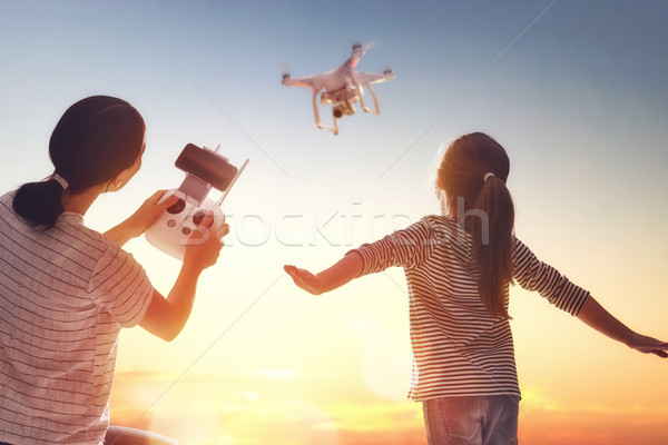 Stockfoto: Kid · moeder · spelen · meisje · moeder · afstandsbediening
