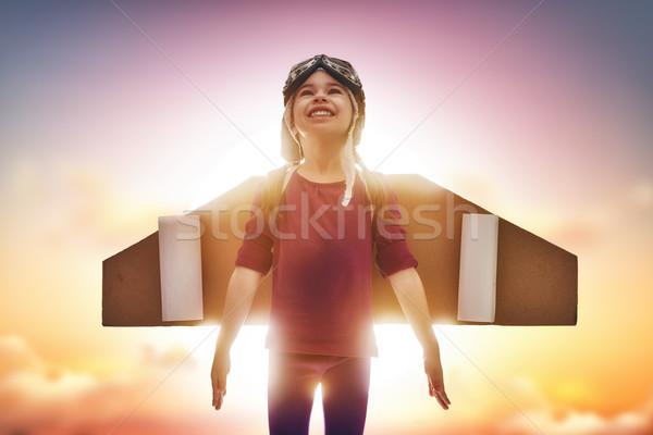 Dziecko astronauta mały dziewczyna wygaśnięcia niebo Zdjęcia stock © choreograph