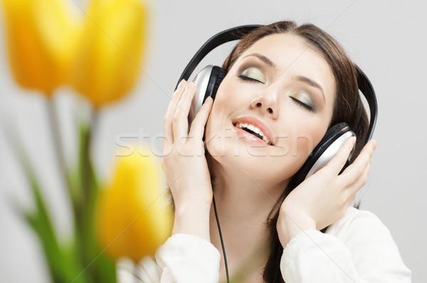 Nina auriculares gris flor tecnología diversión Foto stock © choreograph