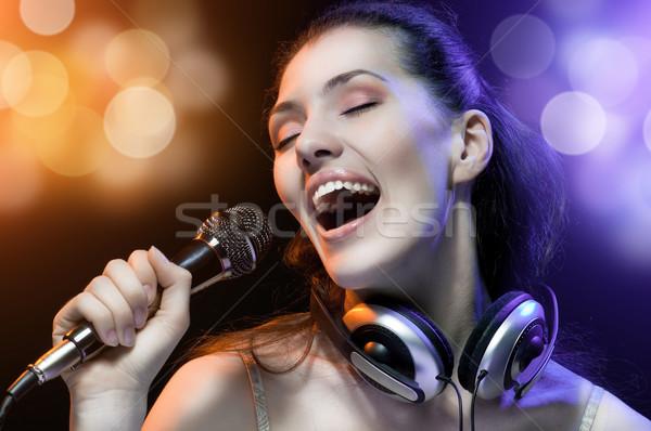 Cantando menina bastante mulher música festa Foto stock © choreograph