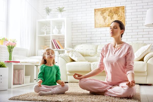 Vrouw praktijk yoga mooi meisje verloofd dochter Stockfoto © choreograph
