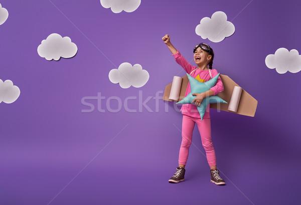 Kız oynama astronot küçük çocuk astronot Stok fotoğraf © choreograph