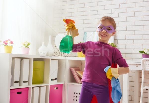 Charmant weinig helper cute kind meisje Stockfoto © choreograph