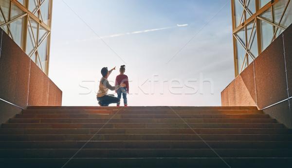 отец ребенка подняться наверх семьи Flying Сток-фото © choreograph