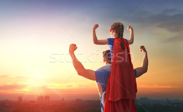 Foto stock: Papá · hija · jugando · aire · libre · feliz · amoroso