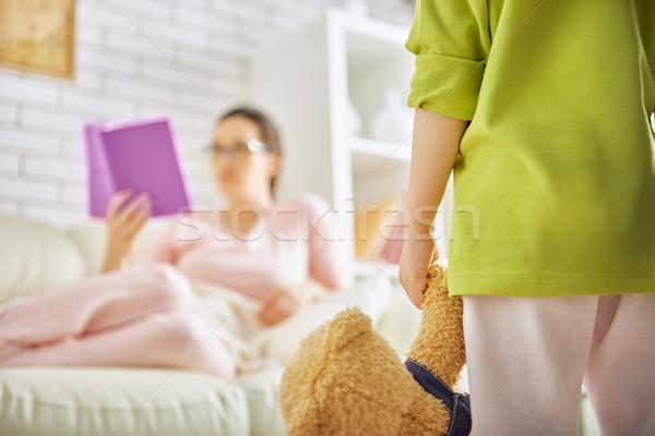Kind spielen mom Mädchen Bildung Mutter Stock foto © choreograph