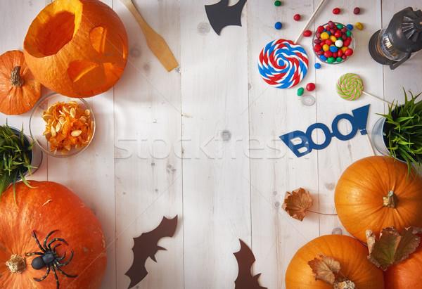Pompoenen tabel gelukkig halloween pompoen snoep Stockfoto © choreograph