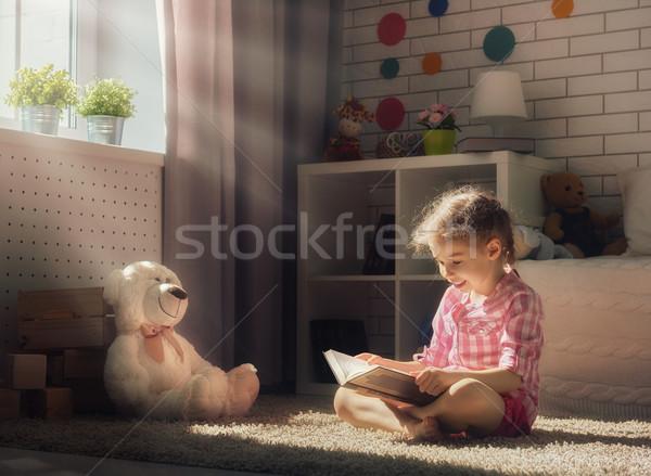 Stock fotó: Lány · olvas · könyv · aranyos · kicsi · gyermek