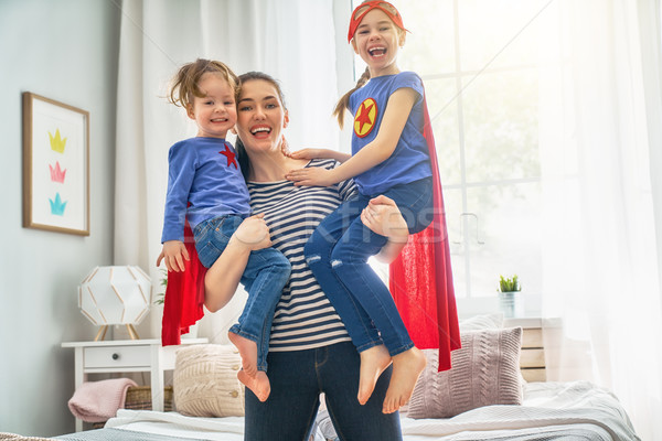 Stok fotoğraf: Anne · oynama · anne · çocuklar · birlikte · kızlar