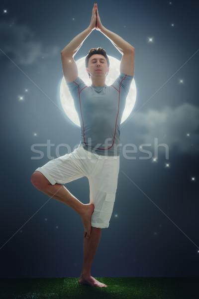 человека медитации йога молодым человеком зеленая трава Сток-фото © choreograph