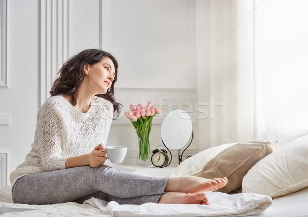 Stockfoto: Vrouw · drinken · koffie · mooie · jonge · vrouw · vergadering