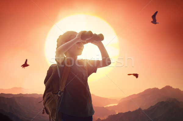 Jonge reiziger rugzak weinig kind naar Stockfoto © choreograph