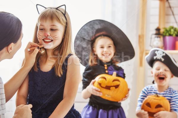 Család halloween boldog család fiatal anya gyerekek Stock fotó © choreograph