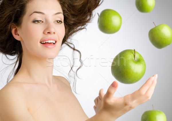 Yeşil elma kız olgun gıda gülümseme Stok fotoğraf © choreograph