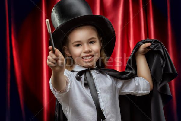Goochelaar weinig glimlach gelukkig kind leuk Stockfoto © choreograph