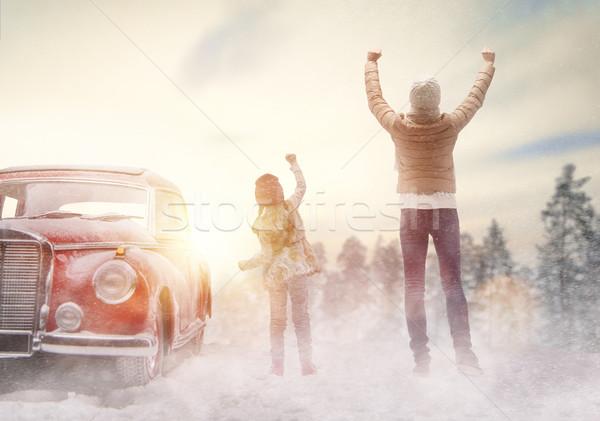 семьи зимний сезон Adventure счастливая семья расслабляющая Сток-фото © choreograph