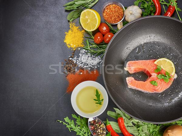 Cibo sano pesce verdura nero tavola verde Foto d'archivio © choreograph