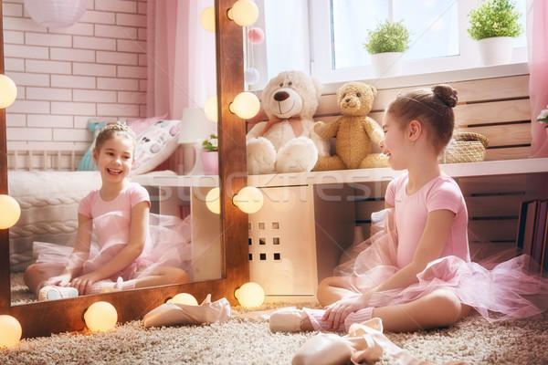 Lány álmok ballerina aranyos kislány gyermek Stock fotó © choreograph