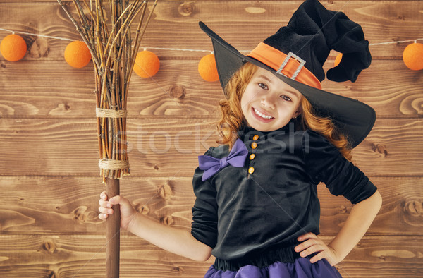 Pequeno bruxa cabo de vassoura feliz halloween bonitinho Foto stock © choreograph