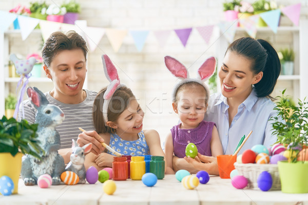 Foto stock: Família · pintura · ovos · mãe · pai · família · feliz