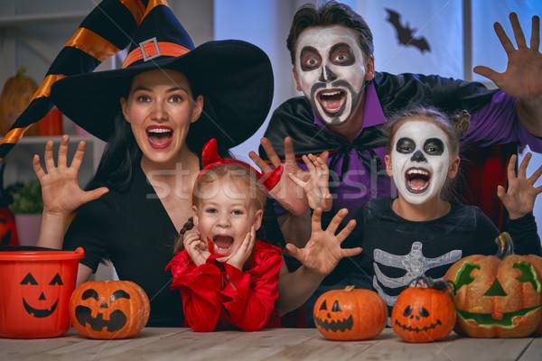 Család ünnepel halloween anya apa gyerekek Stock fotó © choreograph