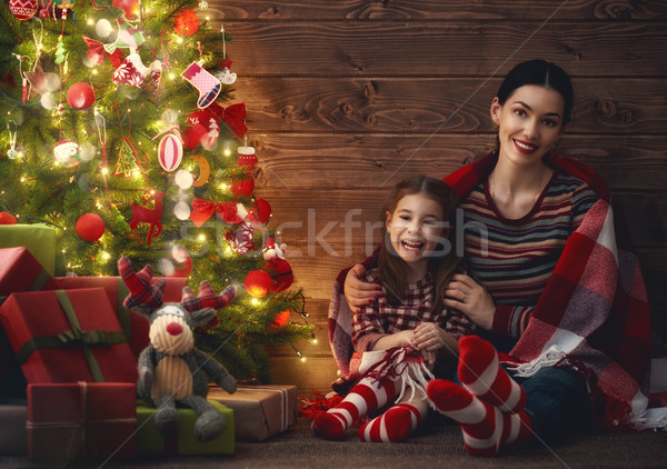 Mãe criança menina natal alegre feliz Foto stock © choreograph