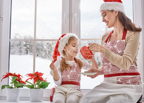 Cozinhar natal biscoitos mãe filha mulher Foto stock © choreograph