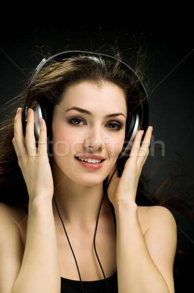 Сток-фото: девушки · наушники · черный · волос · технологий · весело