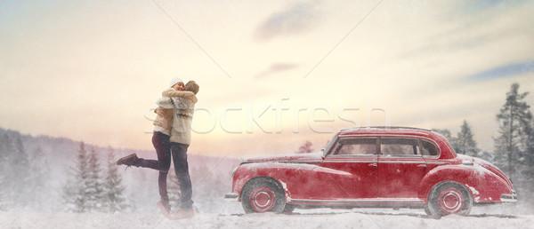 Szerető pár régi autó kaland boldog megnyugtató Stock fotó © choreograph