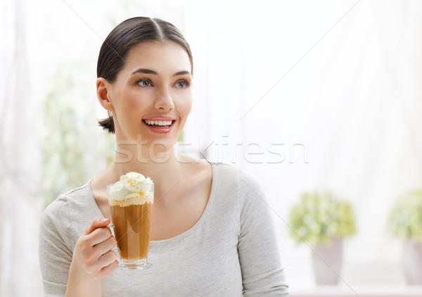 Aromatico caffè donna mani faccia modello Foto d'archivio © choreograph