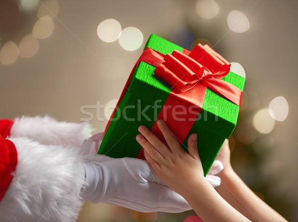 Stockfoto: Aanwezig · kind · kerstman · christmas · geschenk · gelukkig
