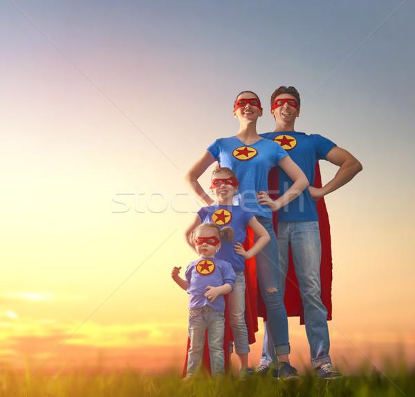 Foto stock: Súper · familia · madre · padre · jugando · aire · libre