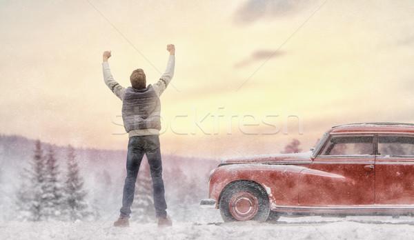 Férfi élvezi út utazás kaland megnyugtató Stock fotó © choreograph
