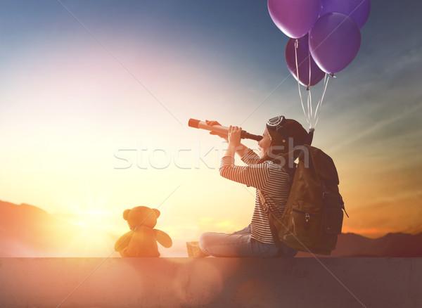 Jungen Reisenden Rucksack wenig Kind schauen Stock foto © choreograph