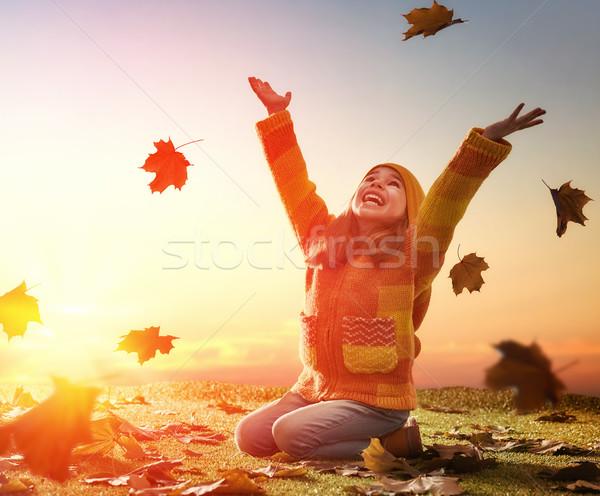 Photo stock: Enfant · jouer · automne · heureux · nature · marche