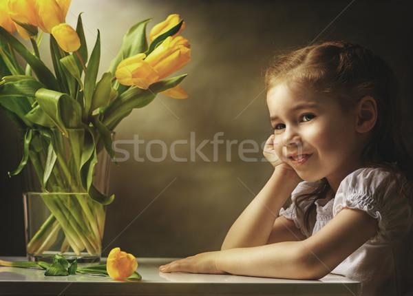Foto stock: Flor · menina · little · girl · amarelo · tulipas · sorrir