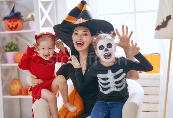 Család ünnepel halloween boldog család fiatal anya Stock fotó © choreograph