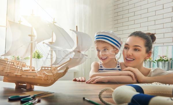 Anya gyermek készít modell hajó álmok Stock fotó © choreograph