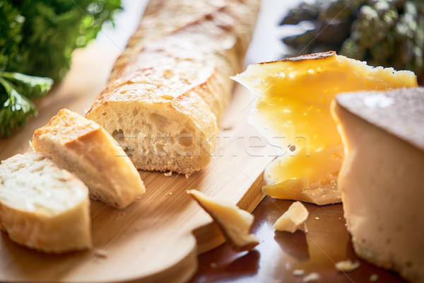 Baguette fromages table pain lumière Photo stock © choreograph