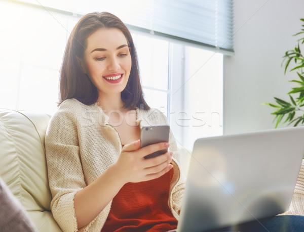 Stockfoto: Vrouwen · telefoon · nadenkend · vrouw · persoon · werken