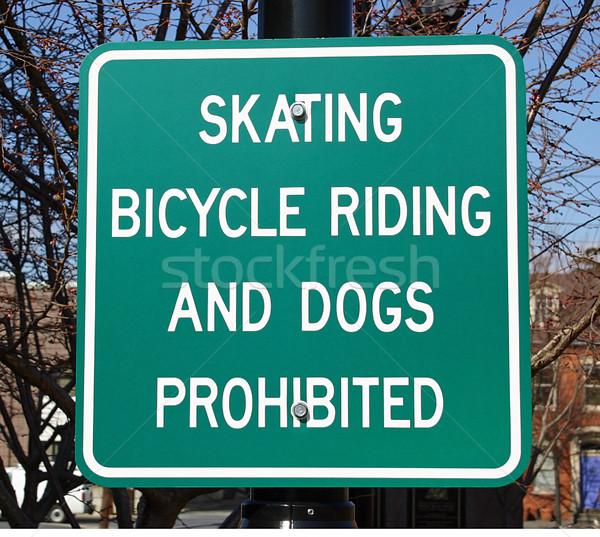 знак улице подписать катание велосипедах собаки прав Сток-фото © chrisbradshaw