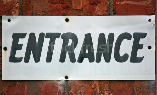 Photo stock: Entrée · signe · blanche · rouge · mur · de · briques · affaires