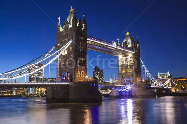 Tower Bridge noite ver rio Londres Foto stock © chrisdorney