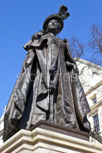 Estátua rainha mãe Londres jardins shopping Foto stock © chrisdorney