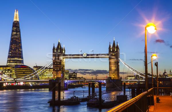 Londres vue crépuscule belle Tower Bridge ville Photo stock © chrisdorney
