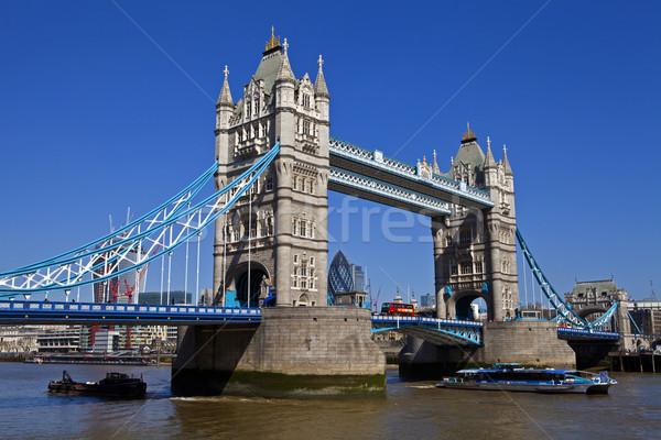 Tower Bridge Londres magnífico ciudad barco transporte Foto stock © chrisdorney