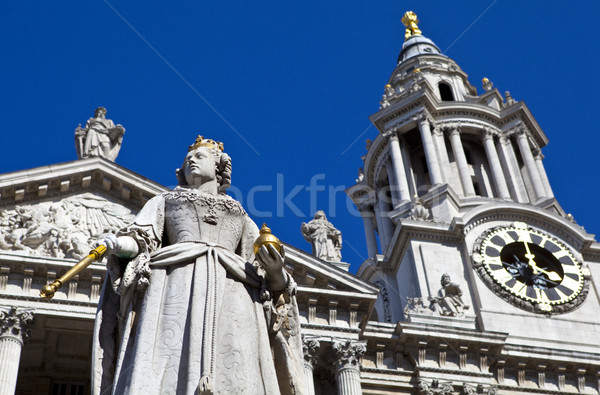 Queen Anne Statue infront of St. Paul's Cathedral Stock photo © chrisdorney